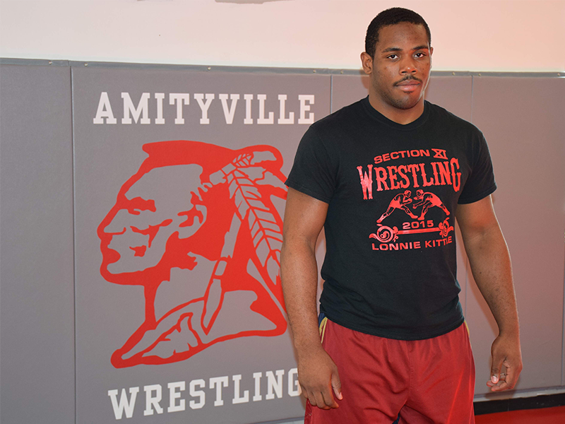 Amityville Wrestler Off to States