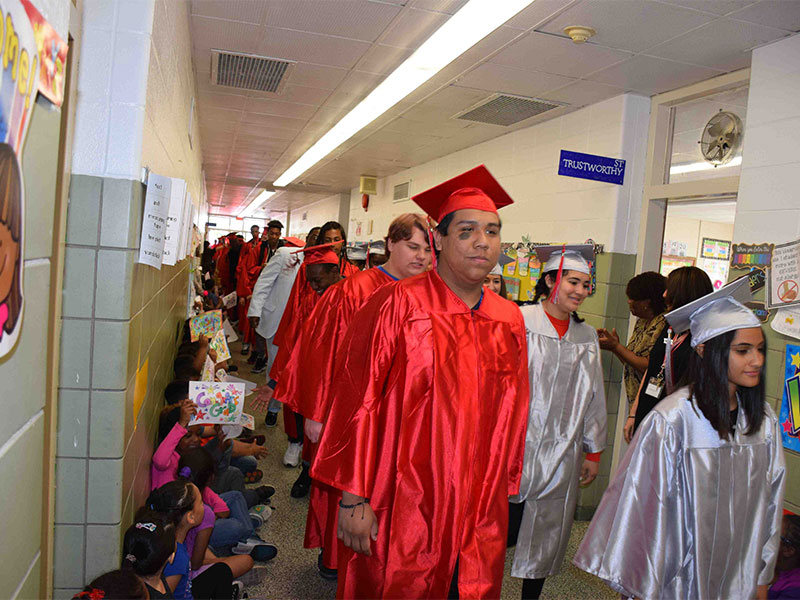 Amityville Seniors Take a Trip Down Memory Lane